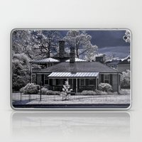 Old House in Edenton, NC Laptop & iPad Skin