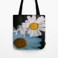 Close Up Daisy Tote Bag