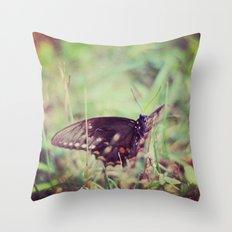 nature capture Throw Pillow