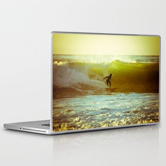 Pete's Wave Laptop & iPad Skin
