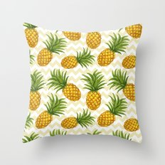 Hawaiian pattern with pineapples Throw Pillow