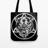Staring wolf Tote Bag