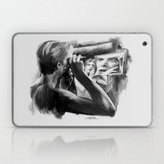 Homage to Bowie - The Man Who Fell To Earth Laptop & iPad Skin