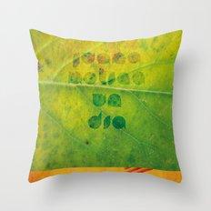 Un Dia Throw Pillow