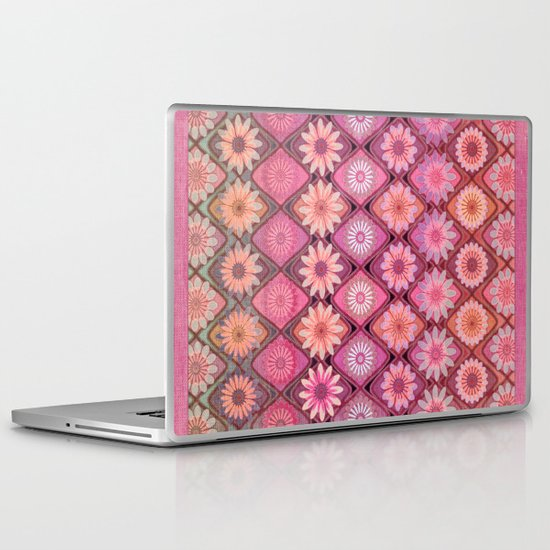 Daisy Pinks Laptop & iPad Skin
