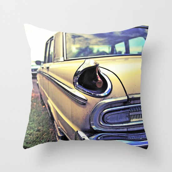 Meteor taillight Throw Pillow