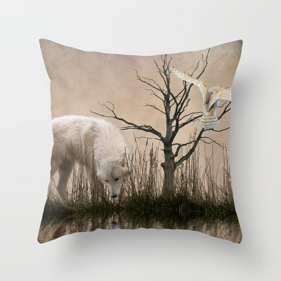 Woodland wolf reflected Throw Pillow