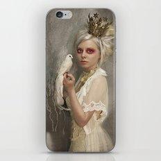 The Queen of Tarts iPhone & iPod Skin