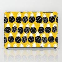 Black pineapple. iPad Case