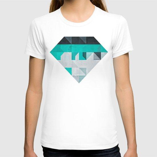 crysopryse lyne T-shirt