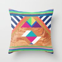 WOODY II Throw Pillow