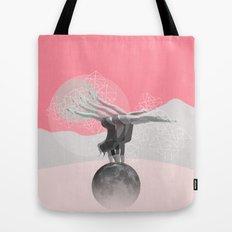 L'équilibre Tote Bag