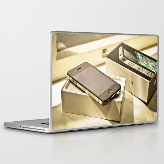 iPhone 4 Laptop & iPad Skin