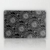 A Crowd of Mums (black | white) Laptop & iPad Skin