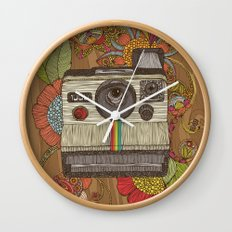 Out of sight Wall Clock