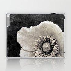 anemone {v. phone Laptop & iPad Skin