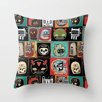 Headhunter outlanders  Throw Pillow