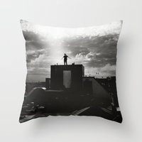 Nothing between me Throw Pillow