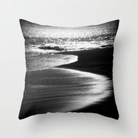 ocean in black and white  Throw Pillow