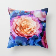 Flora Et Decora Throw Pillow