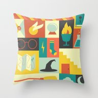 King's Cross - Harry Pot… Throw Pillow