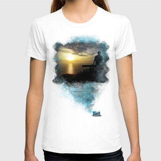 Divine Capture T-shirt