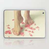 Tiptoe Laptop & iPad Skin