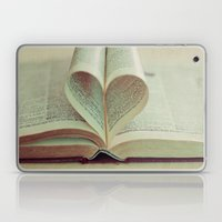 i heart books Laptop & iPad Skin