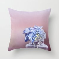HYDRANGEA DREAM Throw Pillow