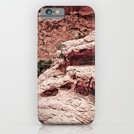 THE HEART OF THE MOUNTAINS iPhone & iPod Case