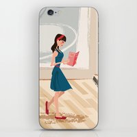 Pretty Girl At The Art M… iPhone & iPod Skin