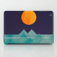 The ocean, the sea, the wave - night scene iPad Case
