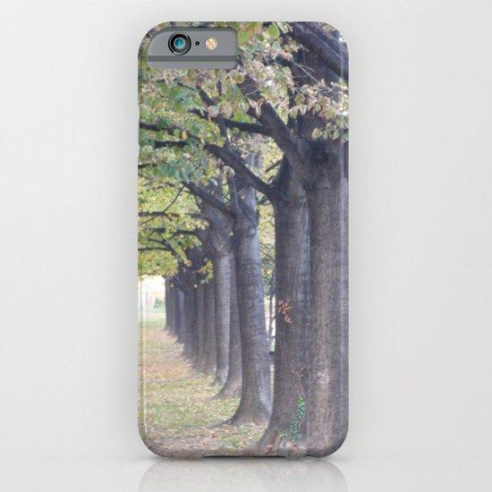 l'allée royale iPhone & iPod Case