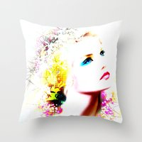 THE EYES OF THE SEA Throw Pillow