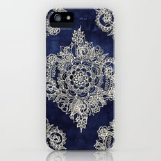 Cream Floral Moroccan Pa… iPhone (5, 5s) Slim Case