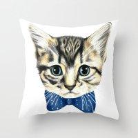 Un petit chaton Throw Pillow