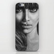 Tyra Banks portrait iPhone & iPod Skin