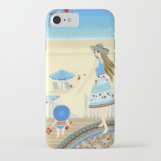 Family vacation at the beach iPhone 7 Slim Case