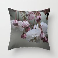 Zierapfel Blüte   Throw Pillow
