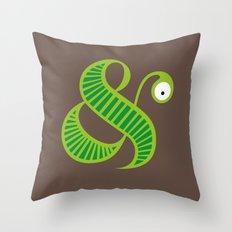 Et worm Throw Pillow