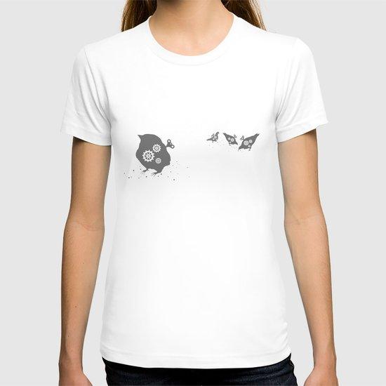 In which wind-up birds happen T-shirt