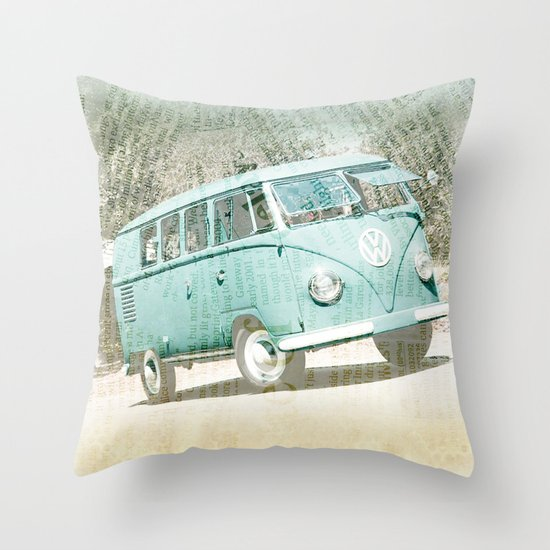 going up the country _ VW Kombi Throw Pillow