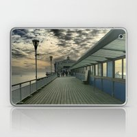Pier Theatre, Bournemout… Laptop & iPad Skin