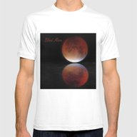 T-shirt featuring Super Blood Moon  by Avril Harris