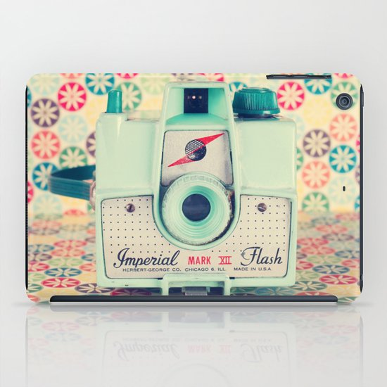 Film Mint Camera on a Colourful Retro Background  iPad Case