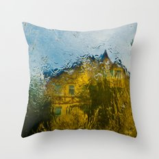 Reflection in the rain Throw Pillow