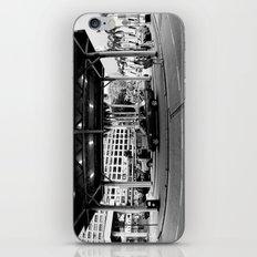 Taaaxi! [Black & White] iPhone & iPod Skin