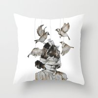 Enfance perdue Throw Pillow