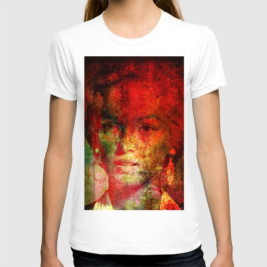 Marilyne behind the mirror T-shirt