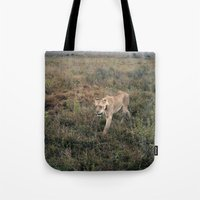Lone Lion. Tote Bag